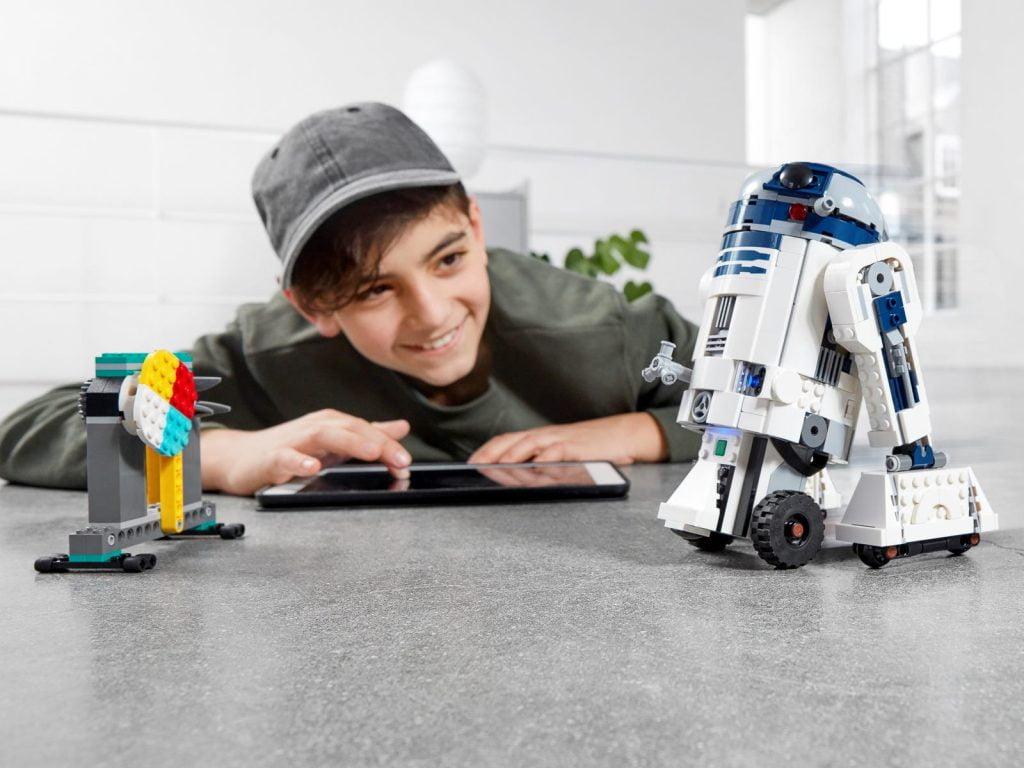 Imagen del LEGO R2-D2 Star Wars Boots: Comandante Droide (75253)